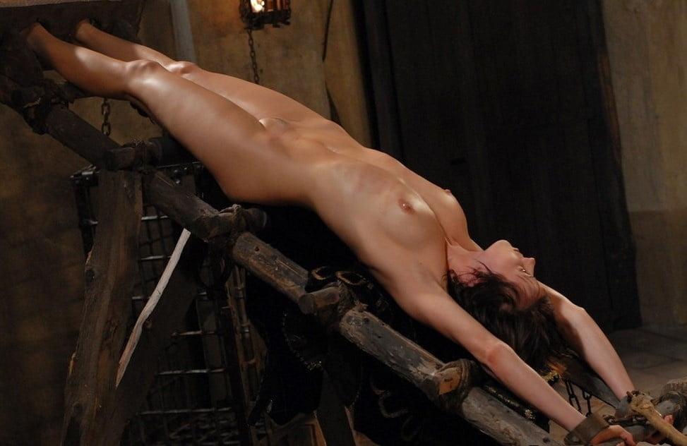 Пытки Обнаженных Женщин