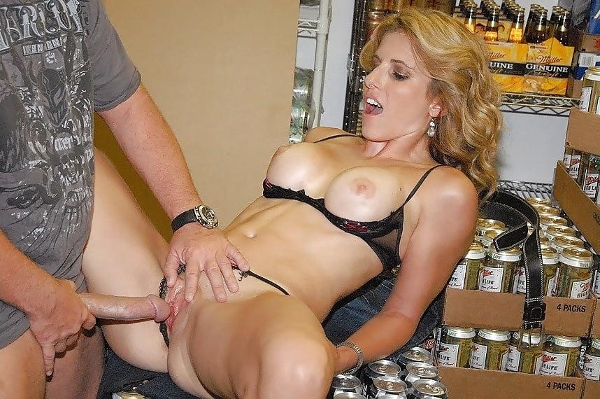 Зрелая Продавщица Секс