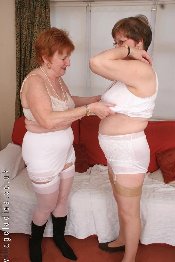 Обнаженные Пожилые В Панталонах Страпонят