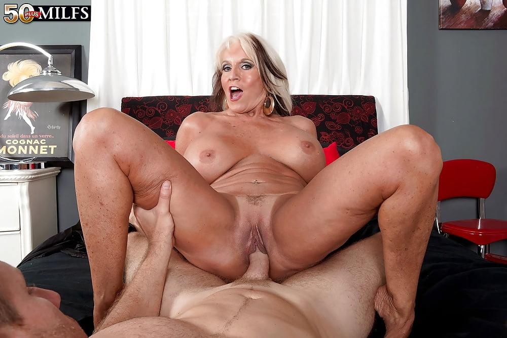 Rita Daniels Stockings Porn Porn.com 1