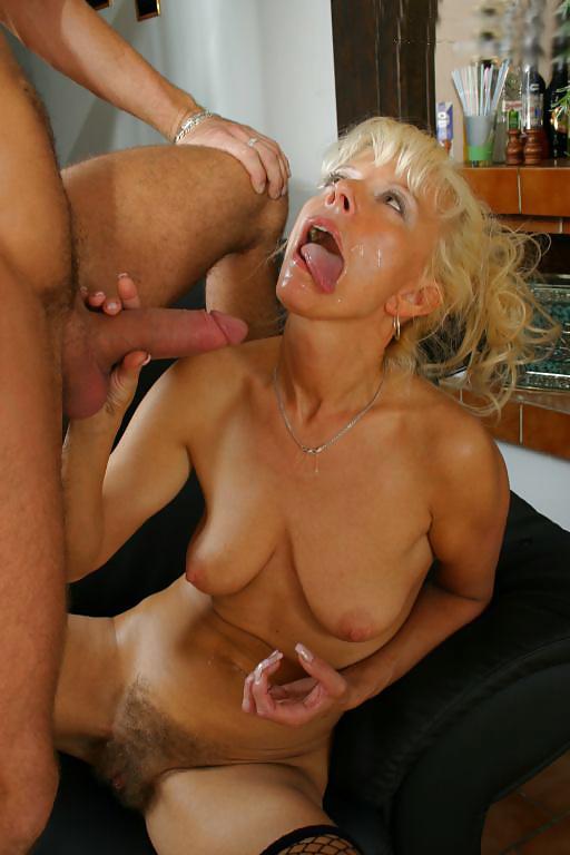 Порно Зрелая Блондинка Шлюха