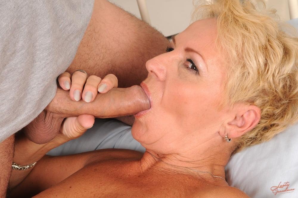 Granny cock porno pics