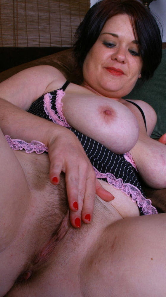 Chubby brunette pussy gallery 5