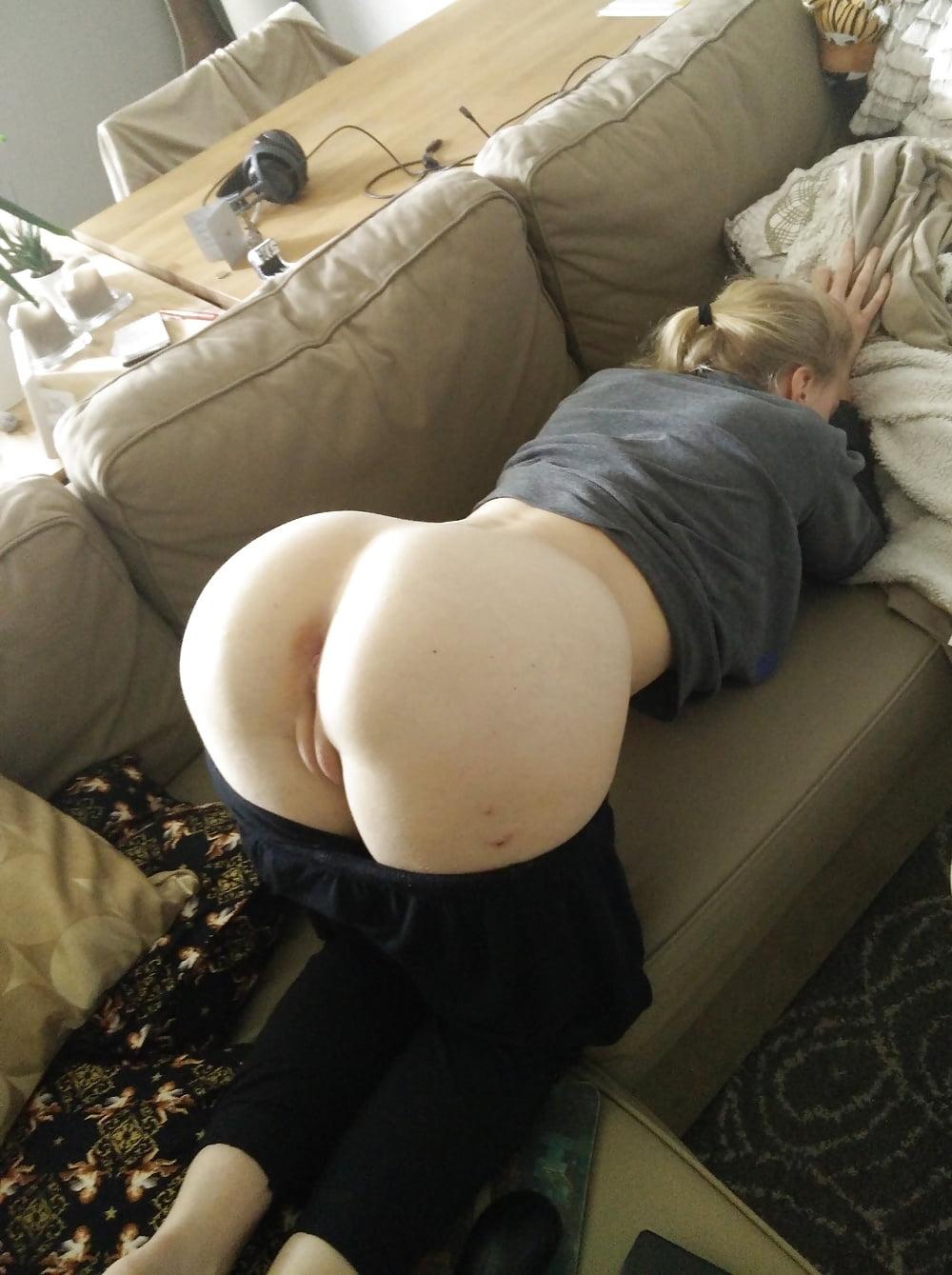 kverhu-popoy-porno-foto-telka-soblaznila-muzhika-porno