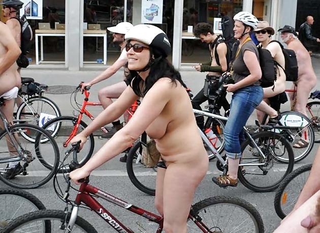 Pretty girls in the nude