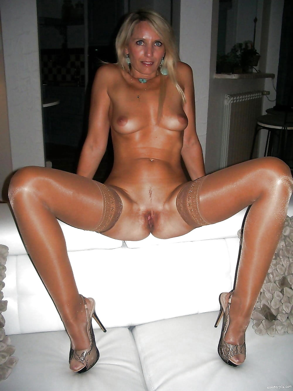 Naked amateur heels sex video