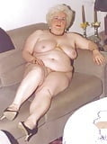 Granny cum sluts- 106 Pics