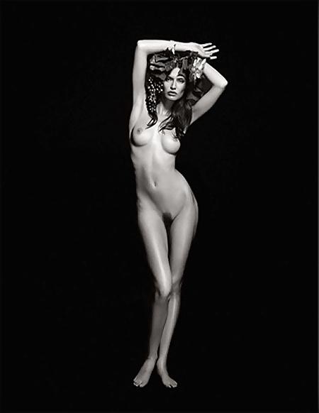 spogliarellista nuda