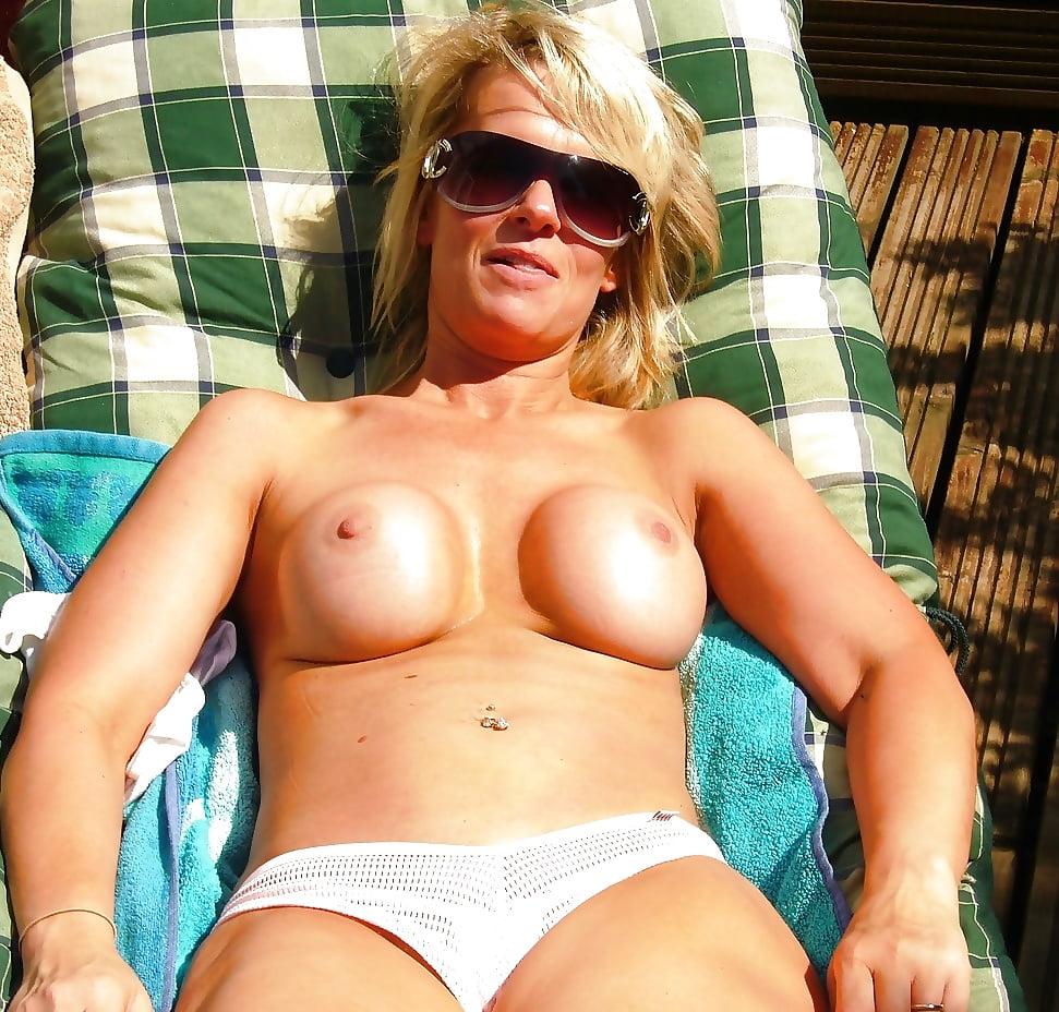 Milf beach amateur-9141