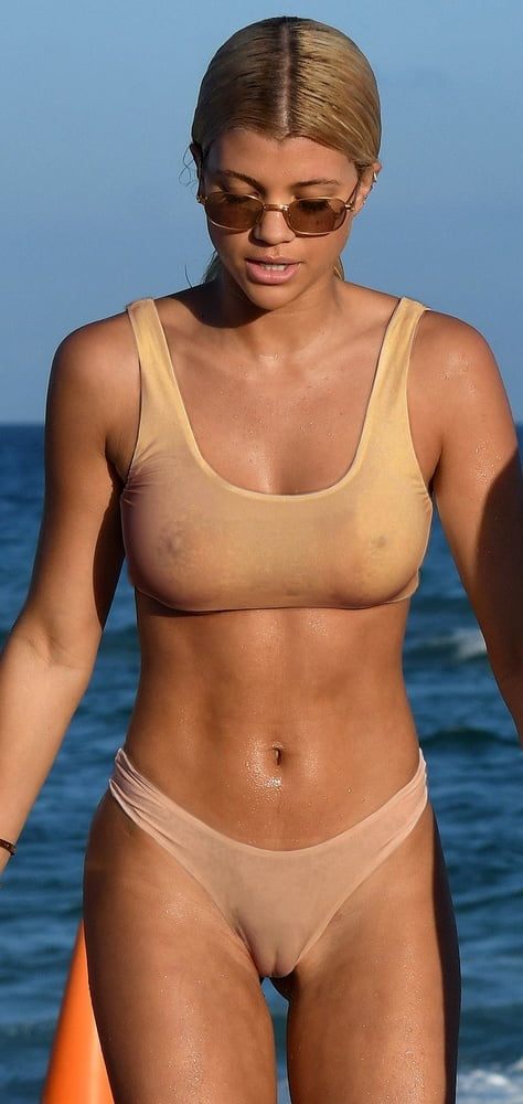 naked-hispanic-weather-girl-camel-toe-lesbian-touch-her-boobs