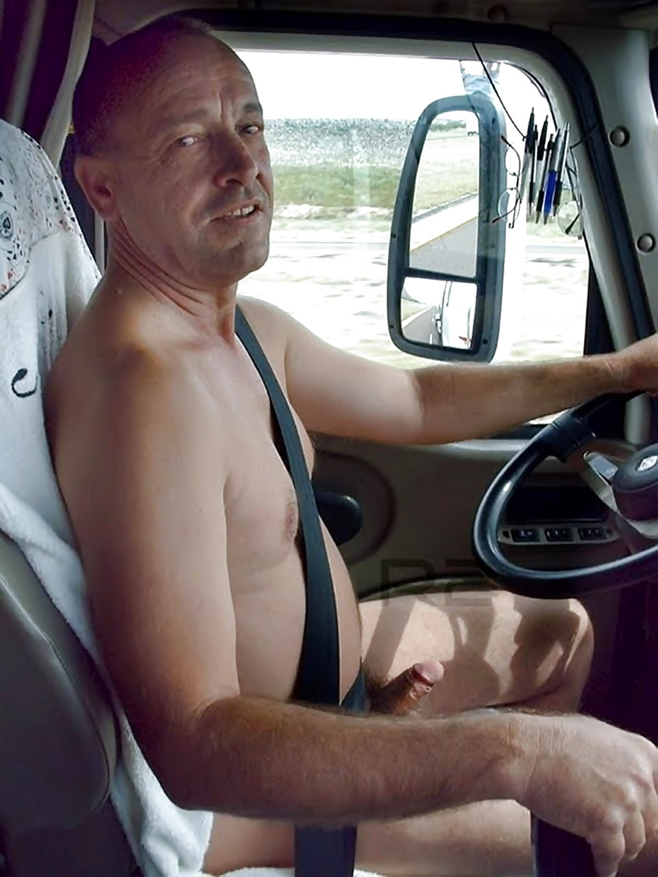 Naked Gay Men Truck Drivers