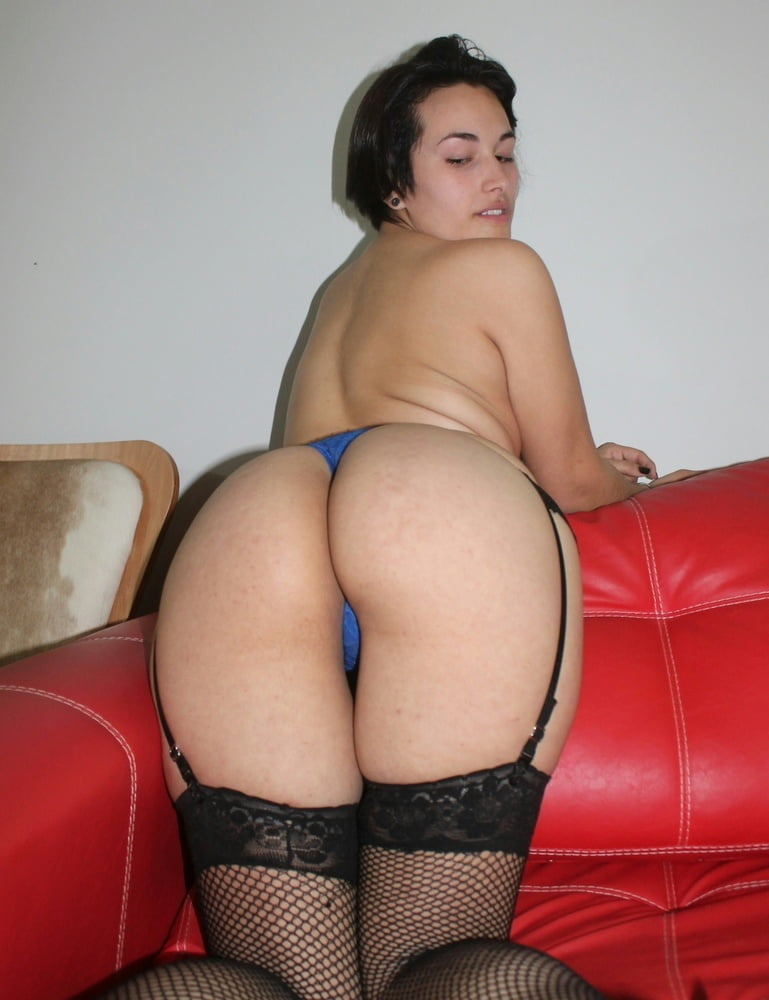 sexy cougar amateur there