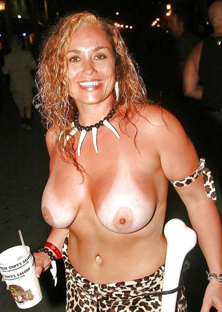 Topless slut, bangla hairy naked girls