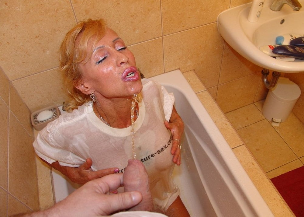 Golden Showers And Cum In Mouth For Amateur Blonde Milf