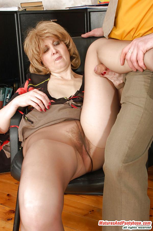 Mommy in pantyhose, girls pussy licks girls gifs