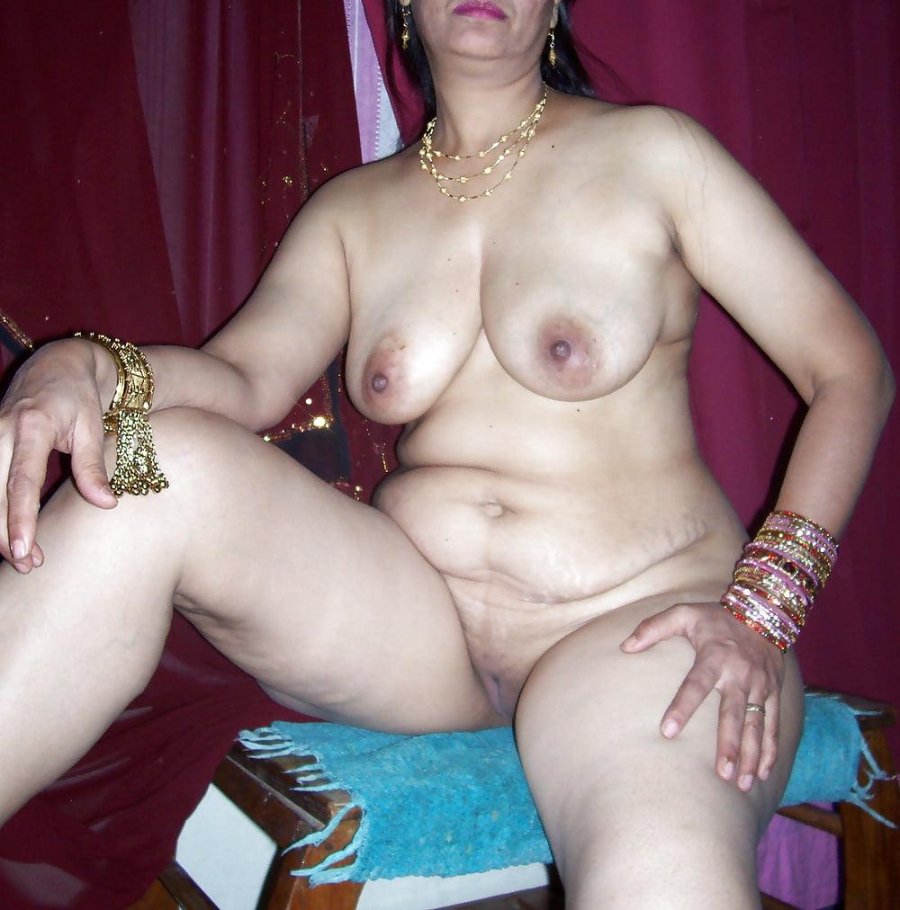 Indian older sex — pic 9