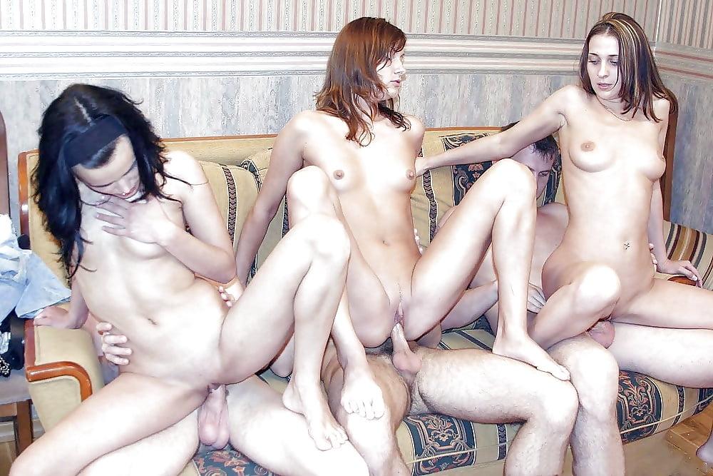 Порно русское домашнее раздевание, домашнее фото с большими жопами в стрингах