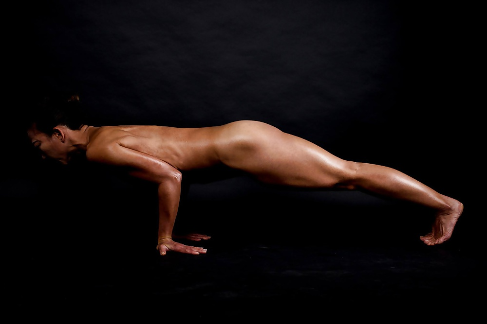 naked-yoga-boys