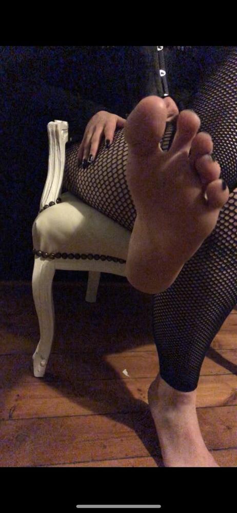 For Feet lover - Luna- 12 Pics