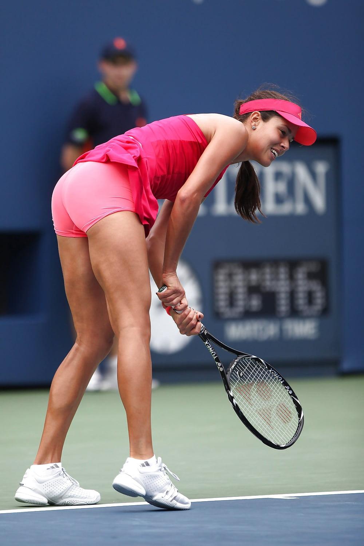 anna-tennis-upskirt-petite-girl-felation