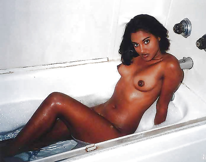 sri-lankan-naked-college-girls