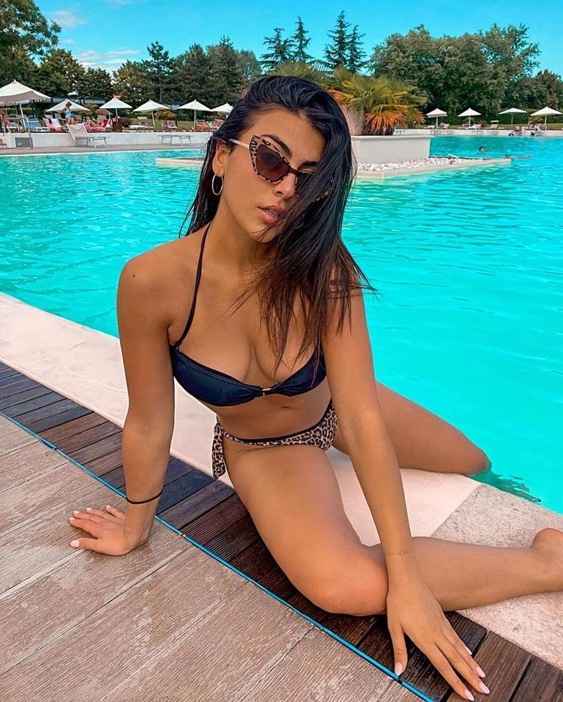 Giulia Salemi - 16 Pics