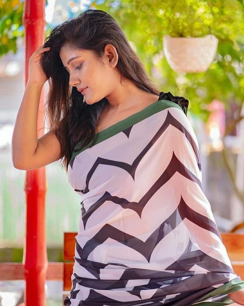 Desi NAUGHTY Indian Girls- 115 Pics