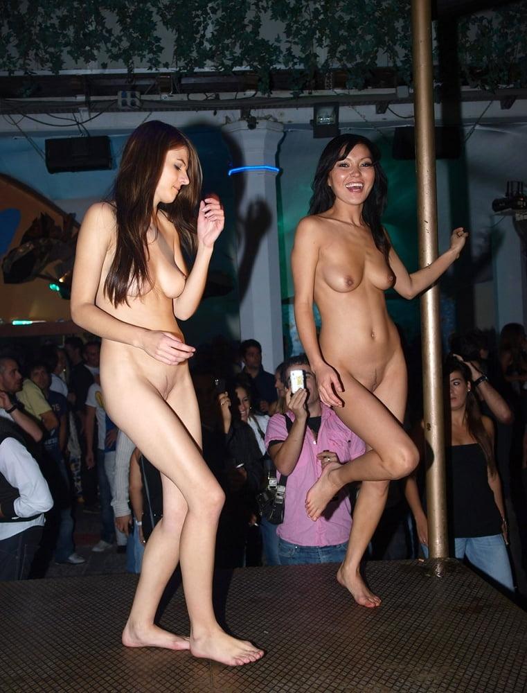 Sexi dance nude-4680