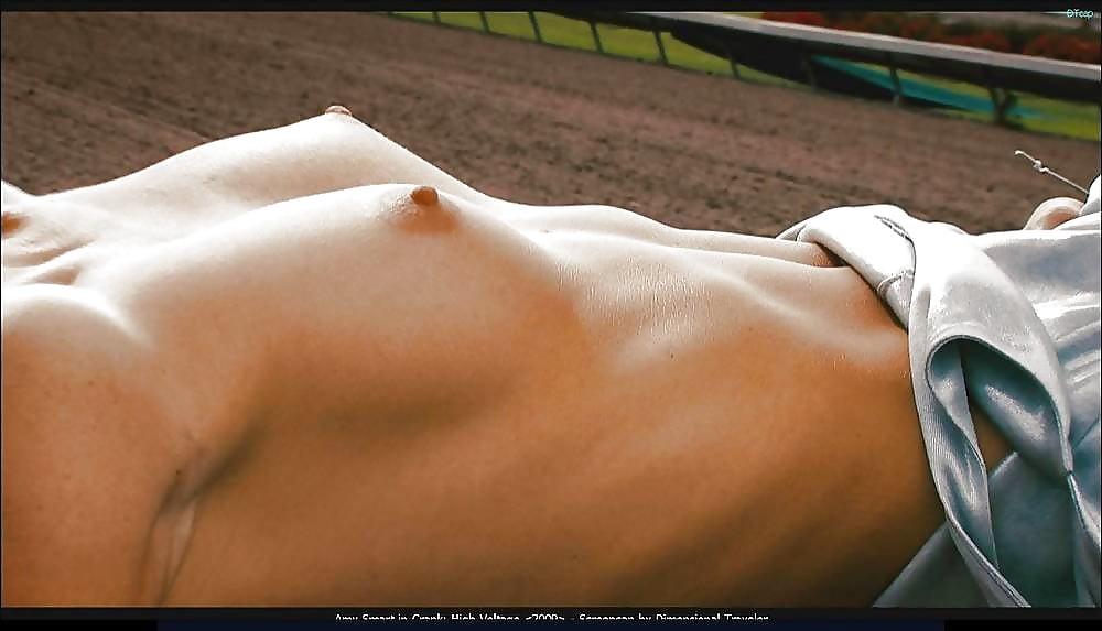 Amy Smart Nude Photos