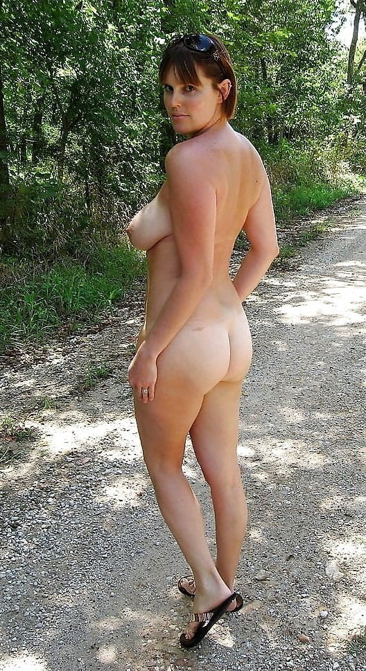 Outdoor Wives #2248 Wedding Ring Swingers - 100 Pics