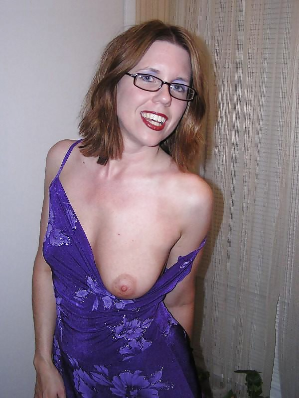 Sexy nude women wearing glasses gomez porn