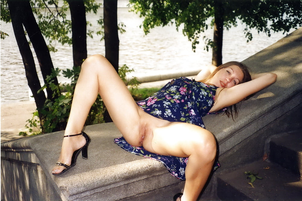 эротика синеглазка без трусов
