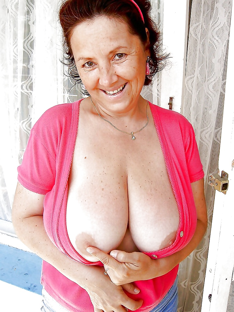 Big Natural Tits Euro Milf