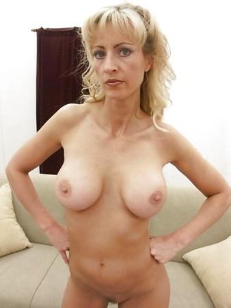 Leeza Jones