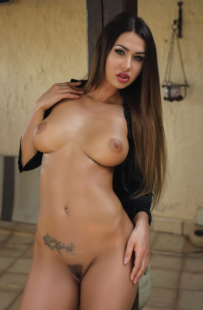 Tatooed Hot Brunette Justyna Coolios Erotic Babes Ultrahorny 1