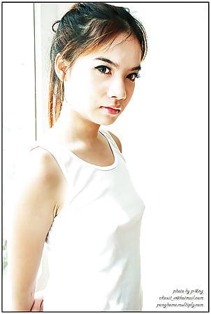 nude model thai girl