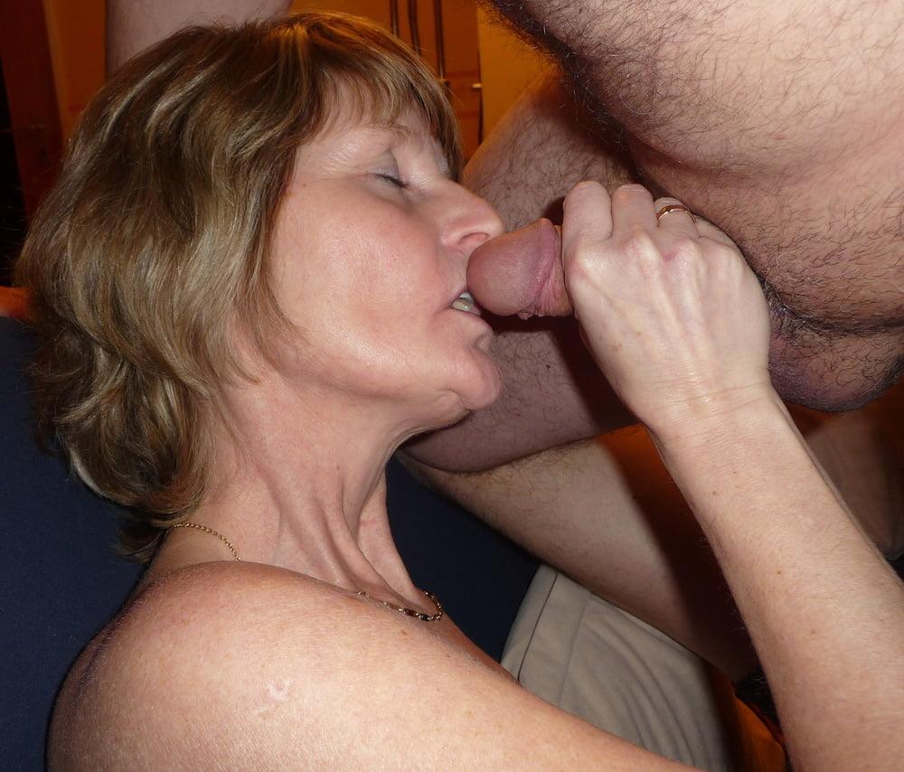 Порно сосет мужу пожилая