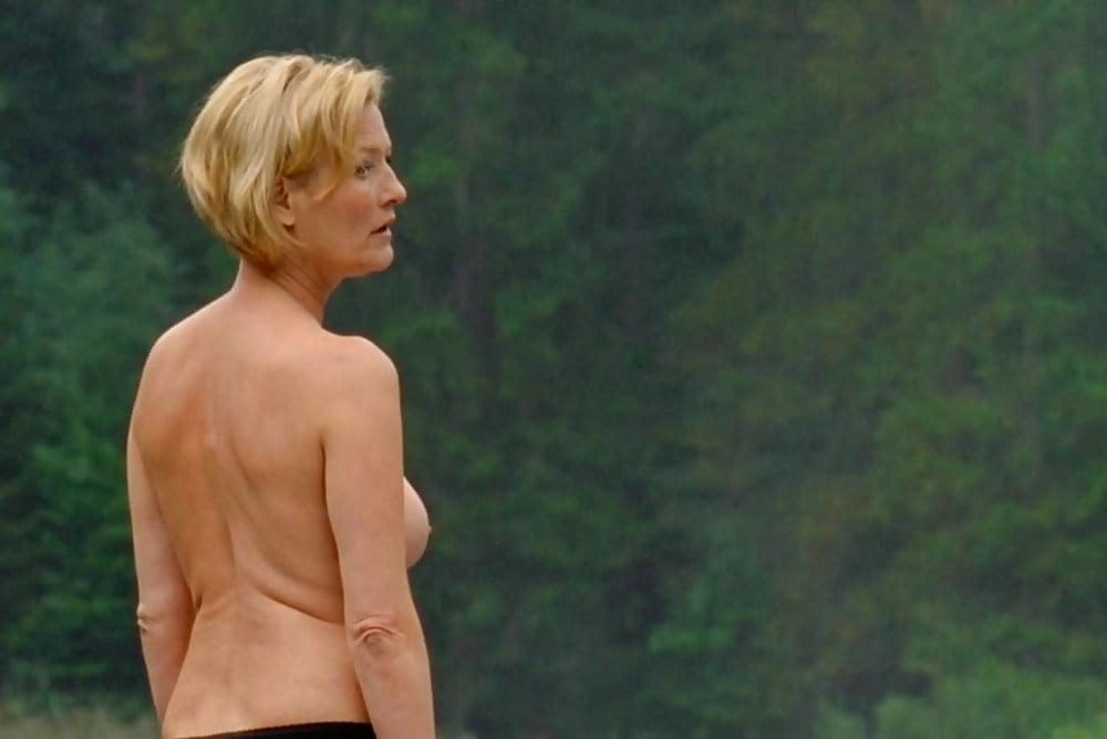 Nackt borzody susanne von Suzanne von