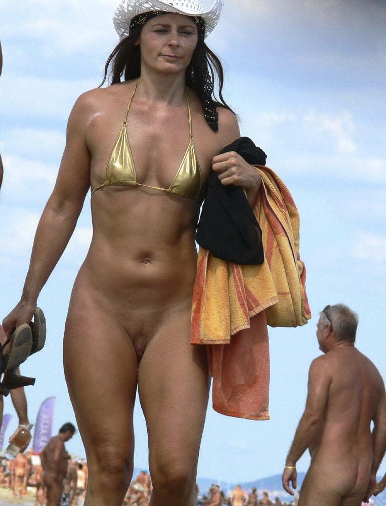 Wwe sunny nude beach — photo 1