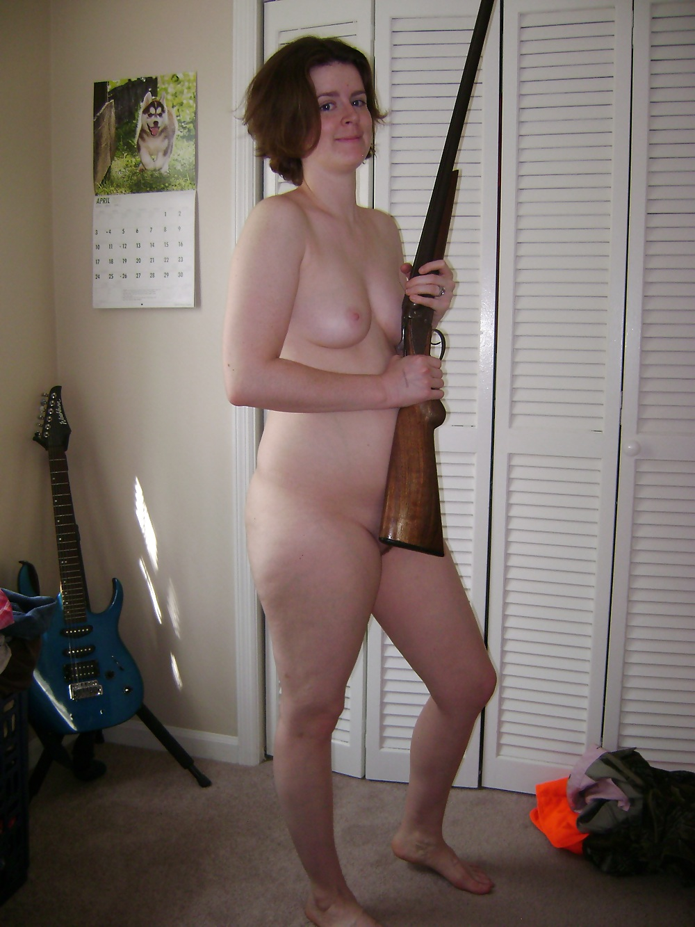 nude-girl-from-redneck-island