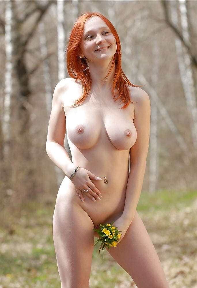 ukrainian-free-nude-women-carrie-champion-topless