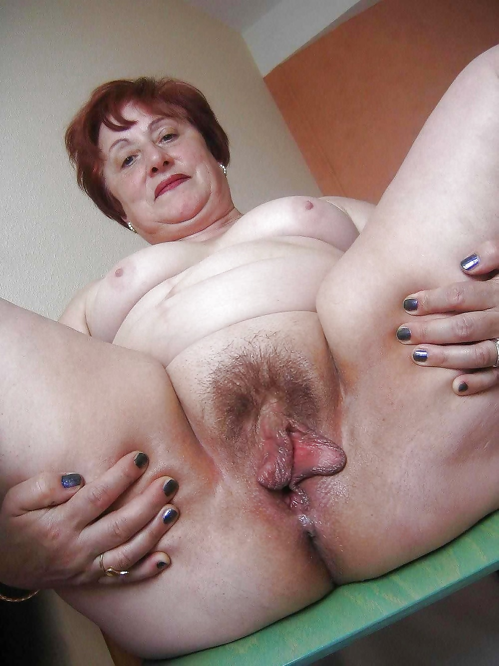 Dominant Grannies Standing Over Pov - 24 Pics  Xhamster-5793