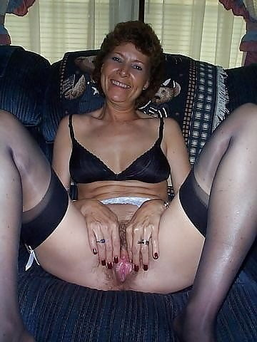 Mature hairy pussy for your pleasure