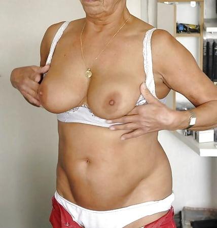 Schwiegermutter Nackt