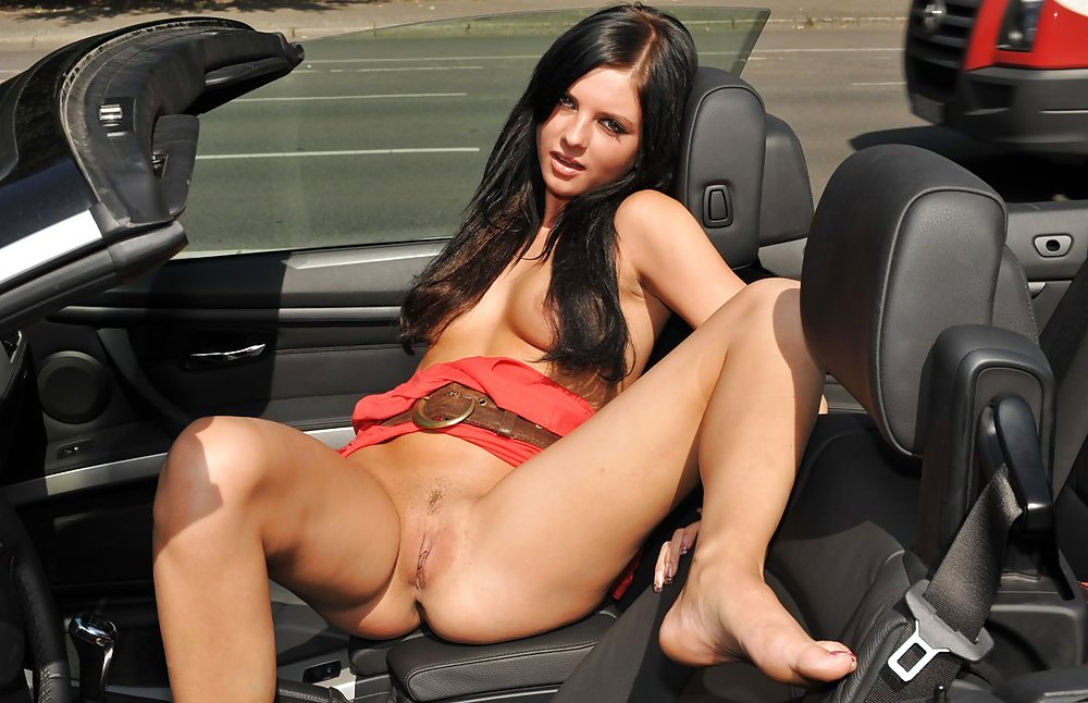 Naked sex to car