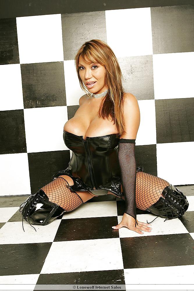 Miss Ava Devine Latex Fuskator 1