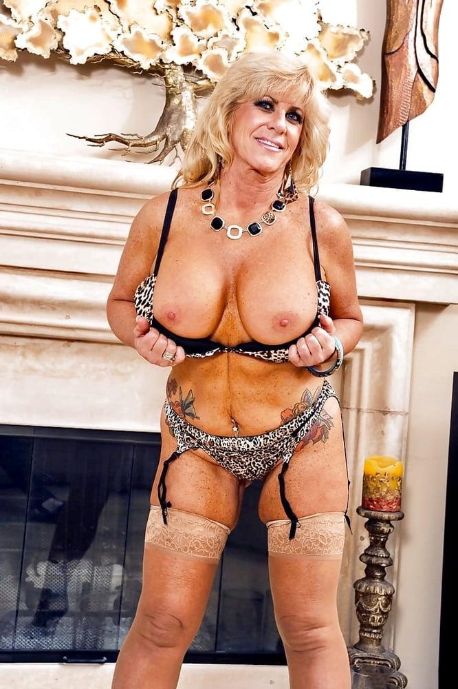 Sexy big tits grannies, ass spanking otk free videos
