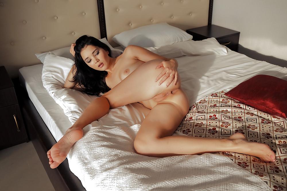 Malena Fendi Lesbians PornDig 1