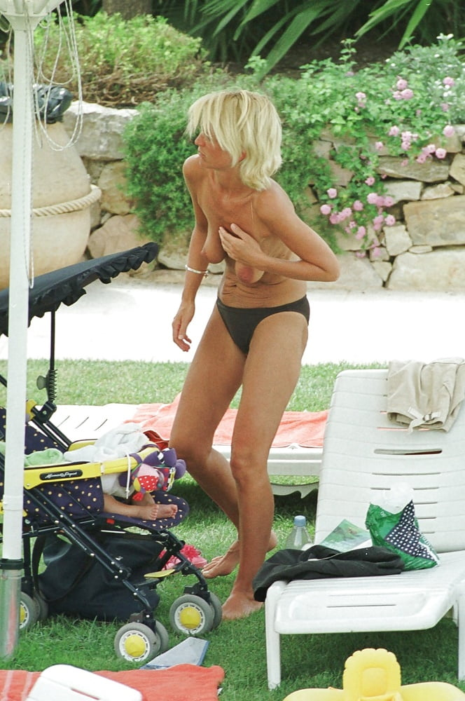 Ulrika jonsson poses completey naked as she confesses personal battle