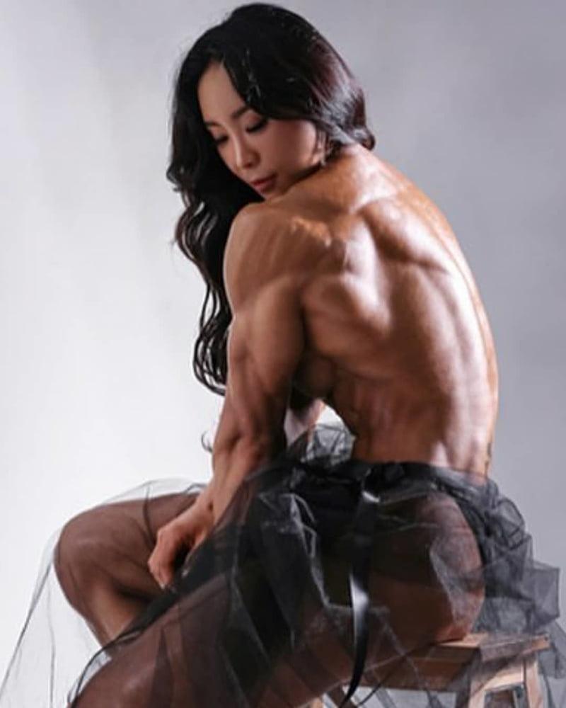 Muscle Girls - 19 Pics